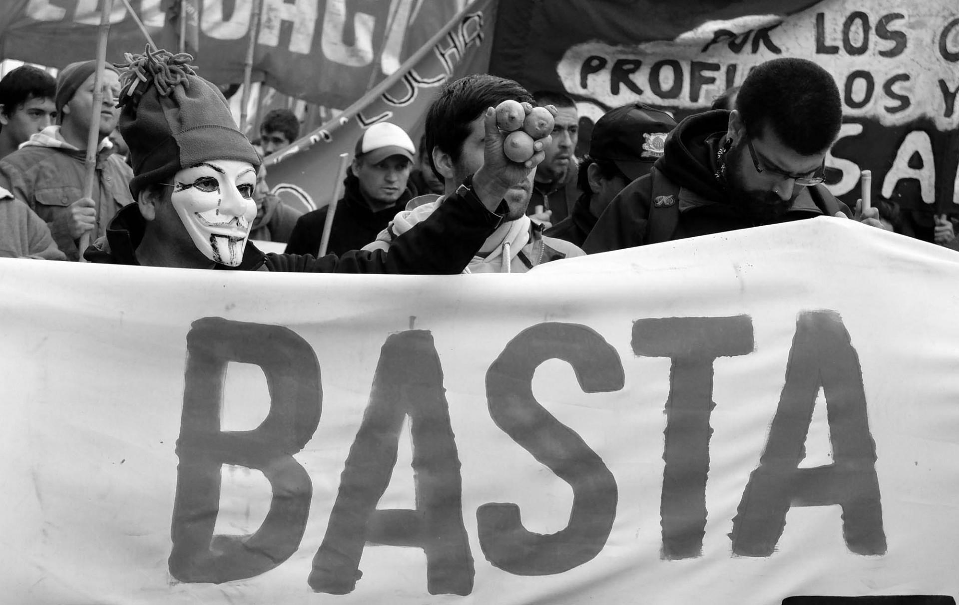 Ahora que el Partido Comunista es parte del oficialismo, la protesta callejera se ve más diversa, pero también más dispersa.