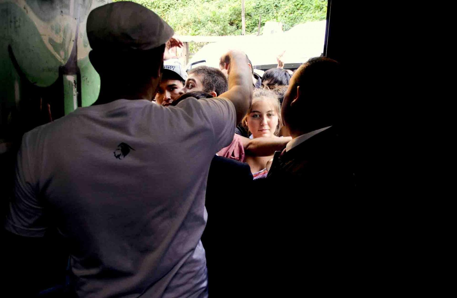 Llegó tanta gente que algunos quedaron fuera. Mal por ellos, bien por la convocatoria del hip hop en Valparaíso.