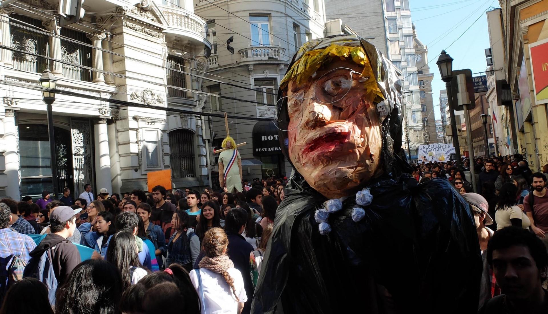 La marcha del miércoles estuvo marcada por la masividad y lo creativo de la protesta.
