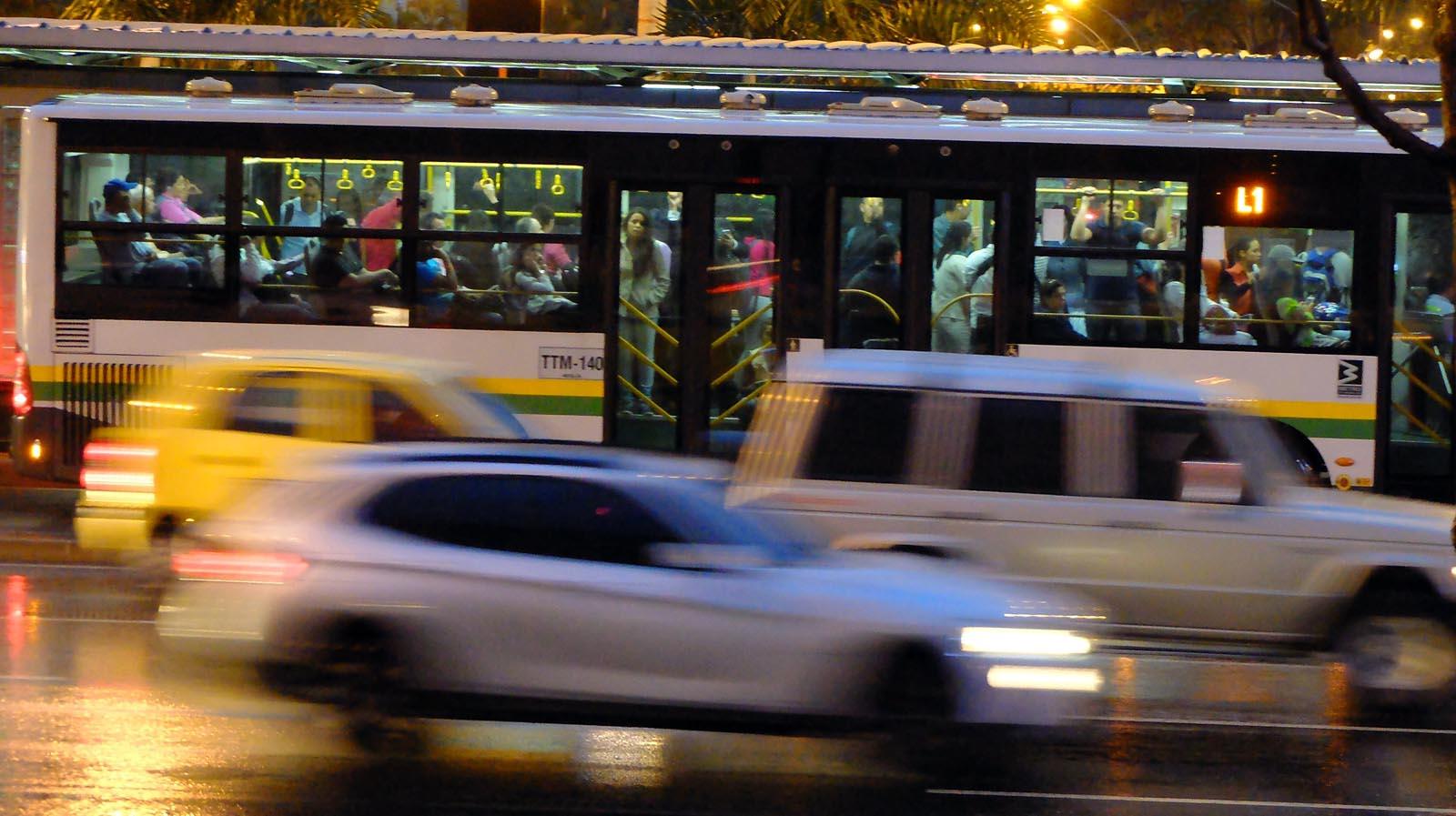 4 millones de habitantes y la ciudad (al menos en su transporte público) funciona.