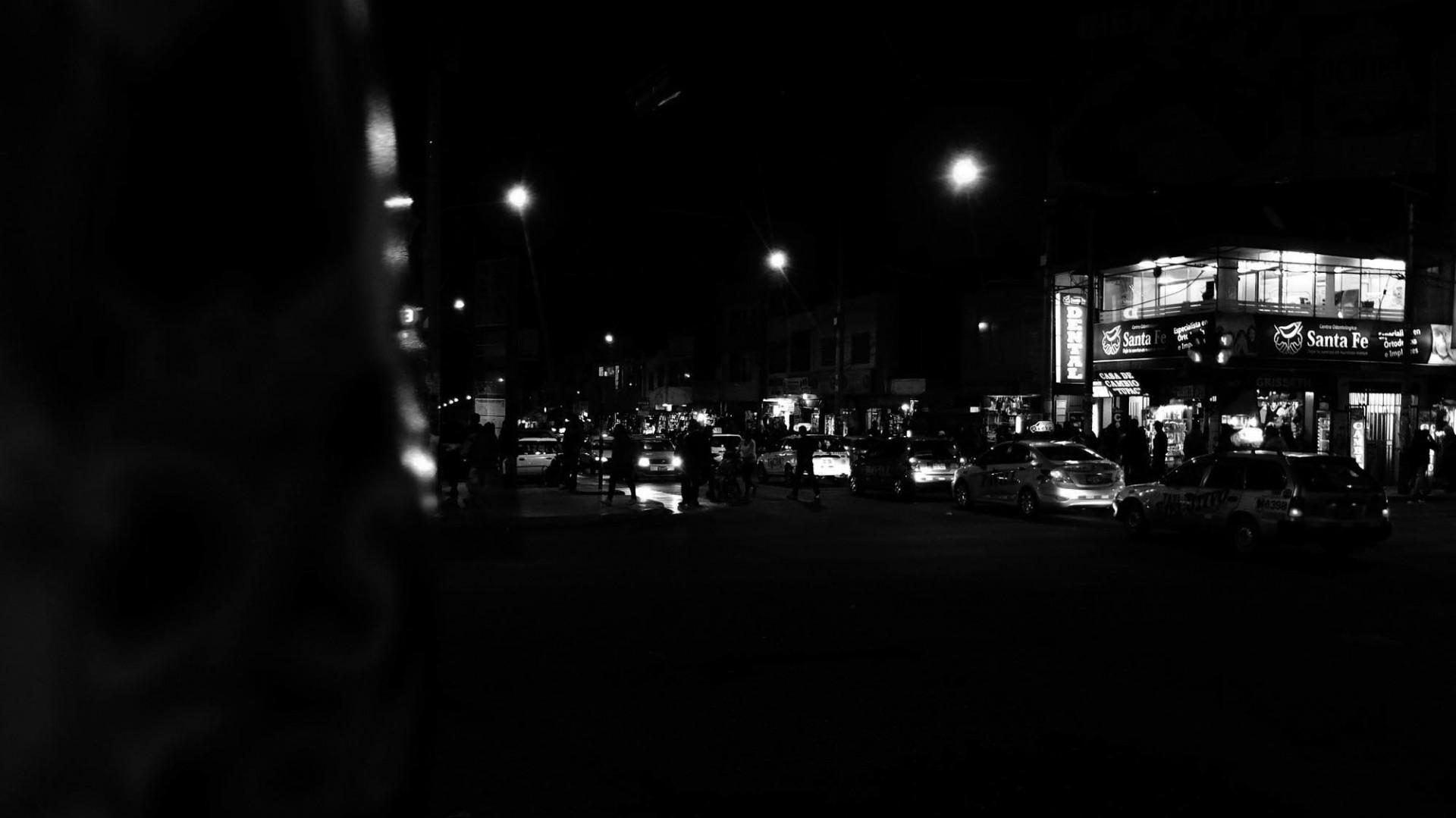 La noche de Tacna ofrece panoramas para locales y visitas.