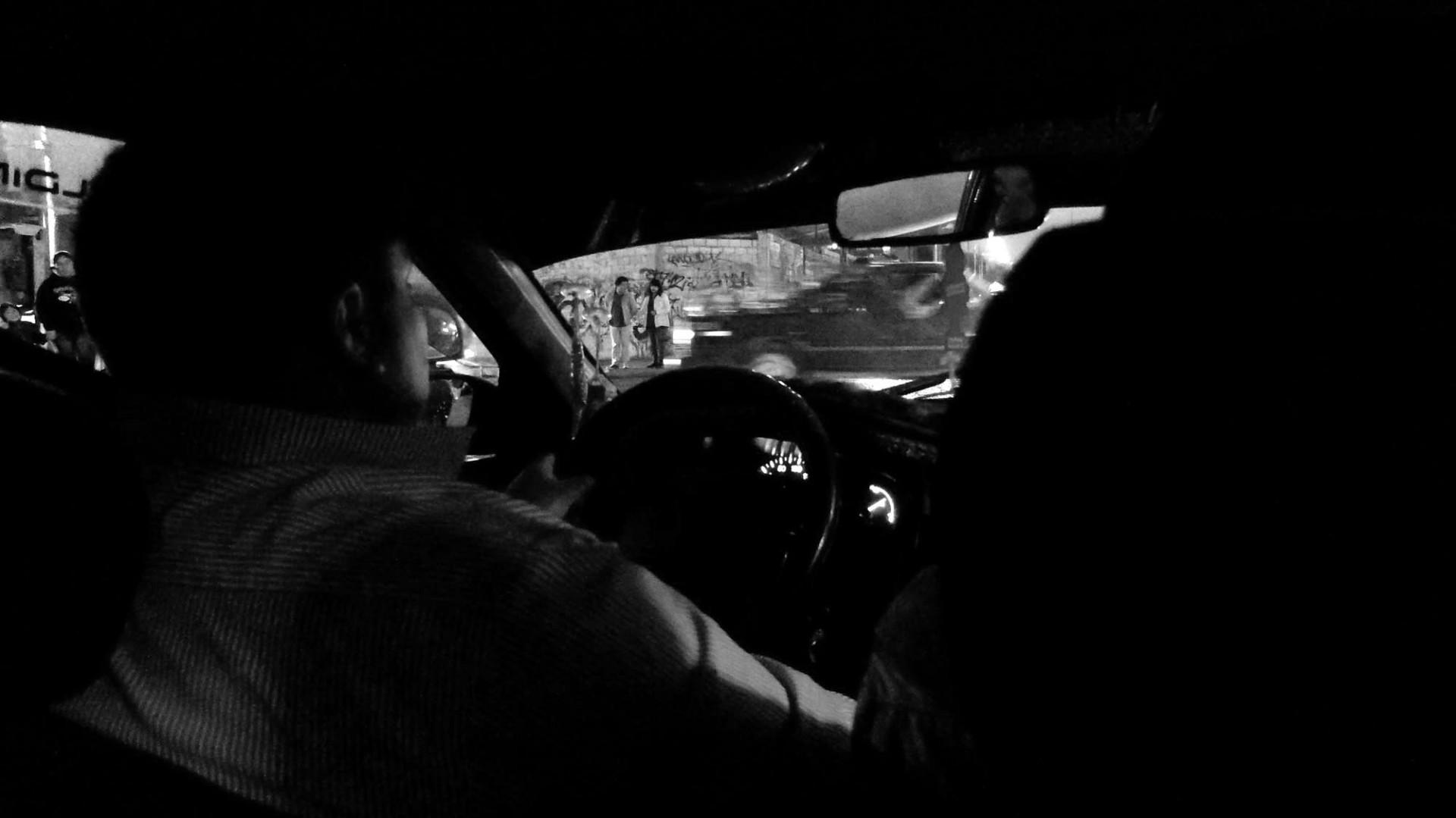 Un taxi a cualquier punto de la ciudad cuesta 4 soles. 800 pesos. Ni Uber.