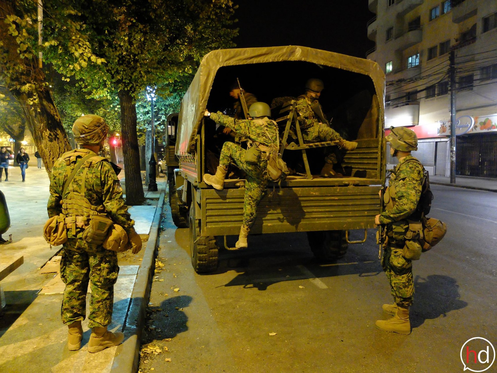 Al decretarse el estado de excepción, los militares se desplegaron por las calles del Puerto.