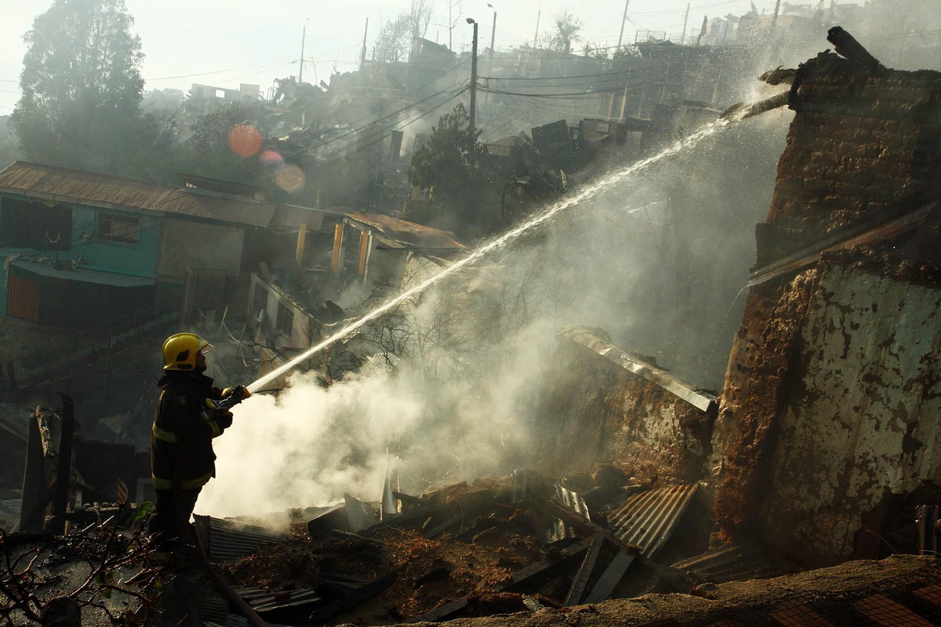 Incendio Valpo día 2 (5)