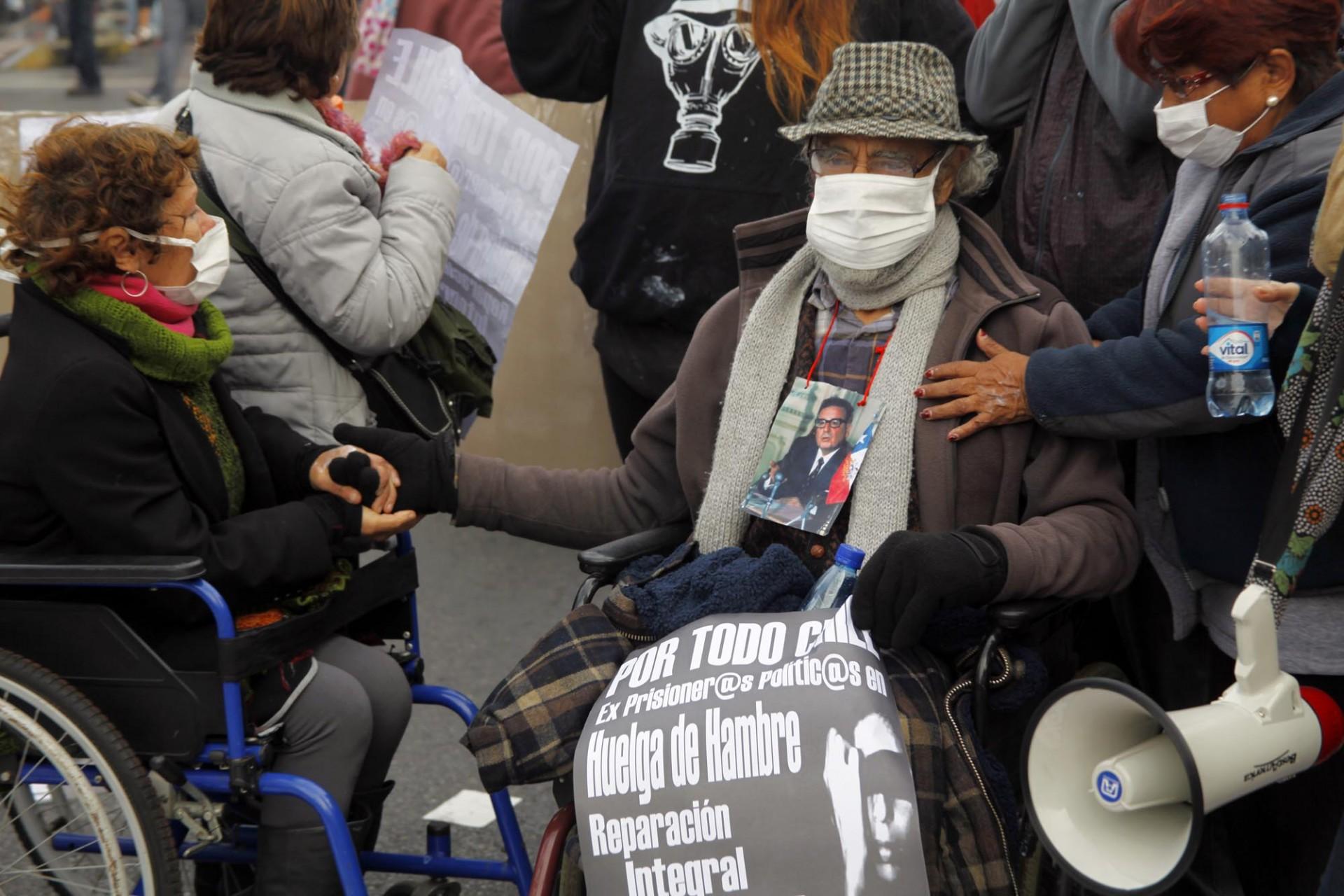 Ex presos políticos en huelga de hambre también sufren el impacto de la acción de las fuerzas especiales.