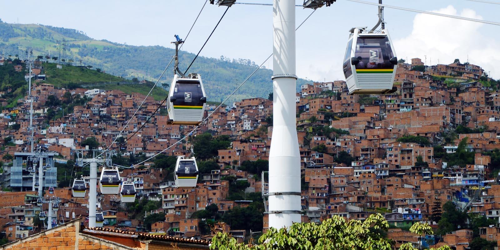 Actitud Medellín