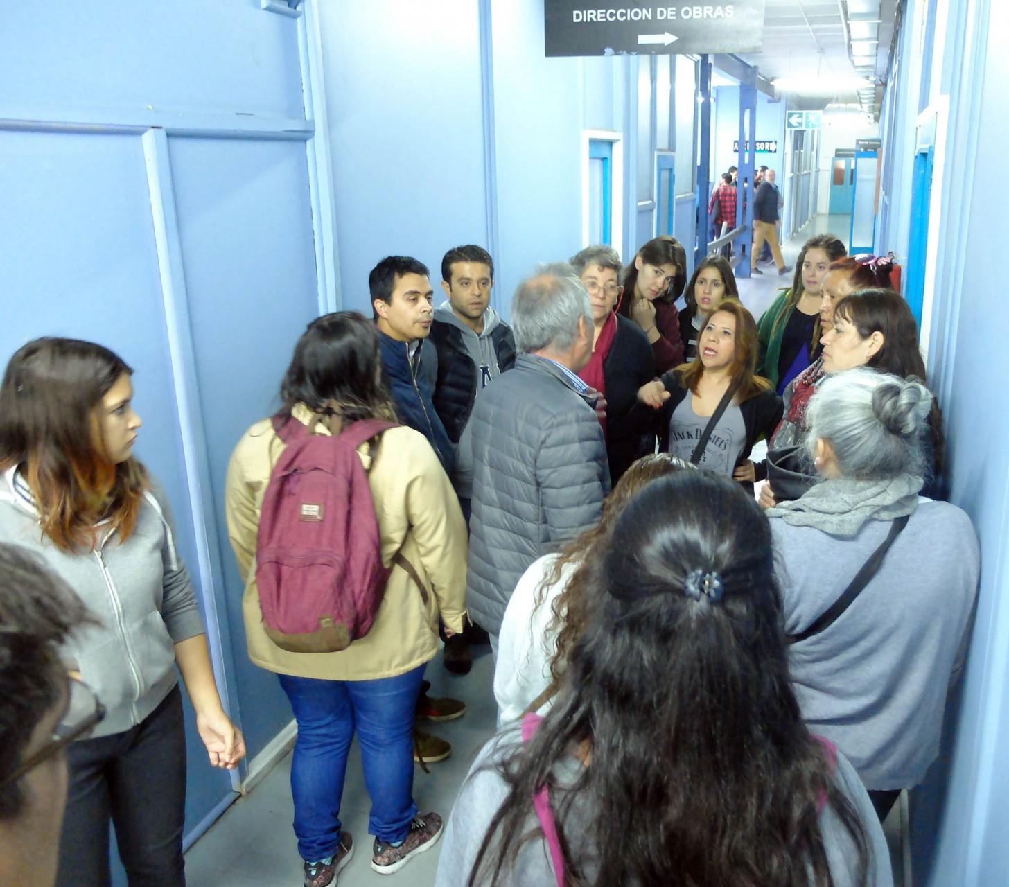 El ánimo cívico y los 15 mil pesos de pago provocaron tensión entre los voluntarios despechados.
